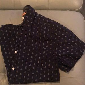 Short sleeve slim fit button down